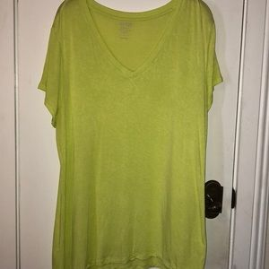 APT.9 modern essentials v-neck size XL tee shirt